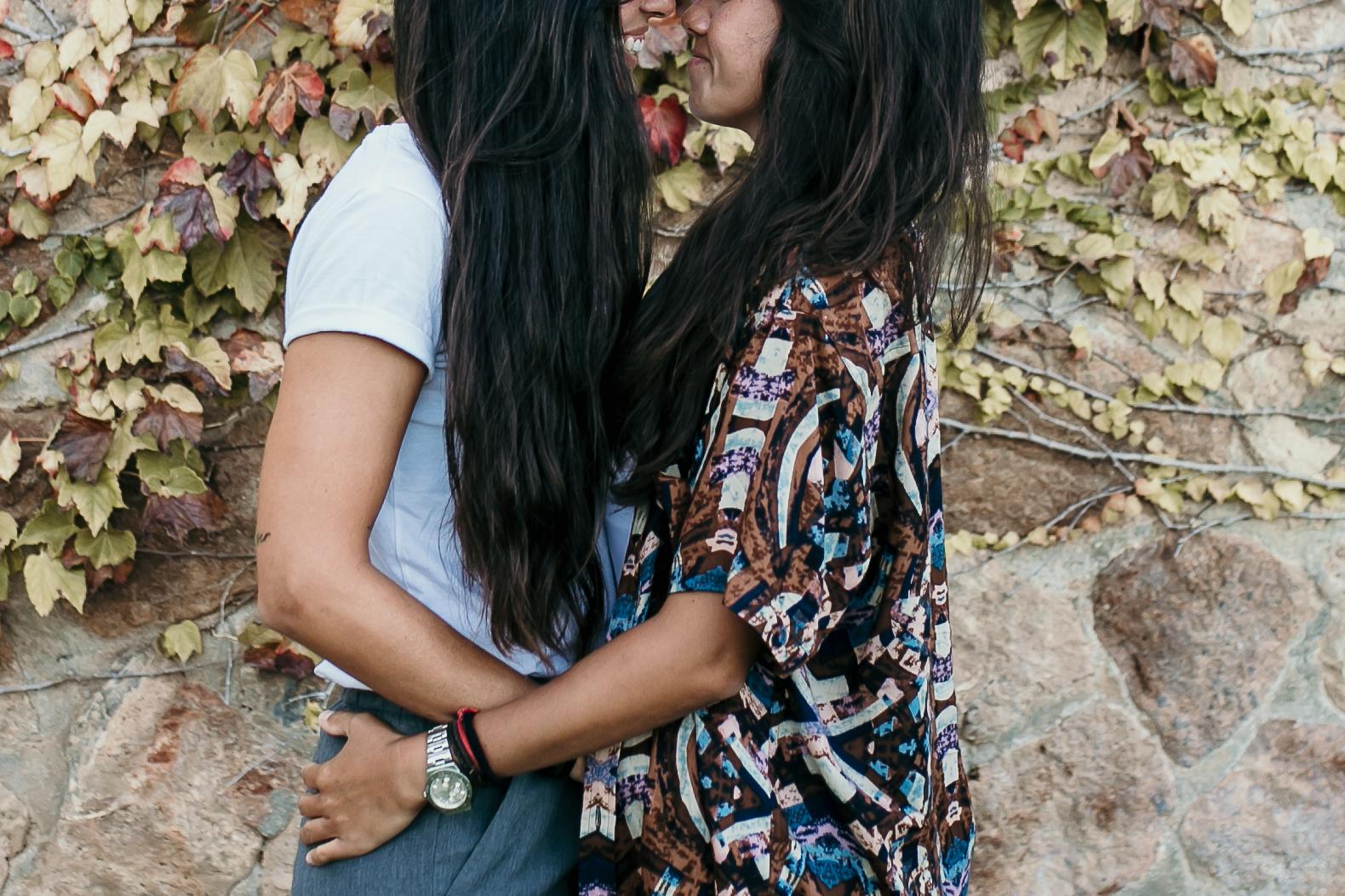 """resultados en google SERP al buscar """"fotografia de parejas LGBT"""""""